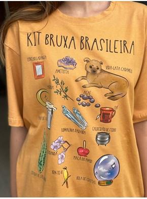 Camiseta Bruxa Brasileira - Caramelo
