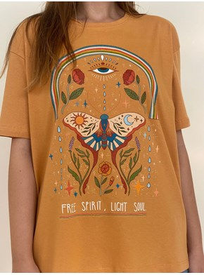 Camiseta Free Spirit - Caramelo