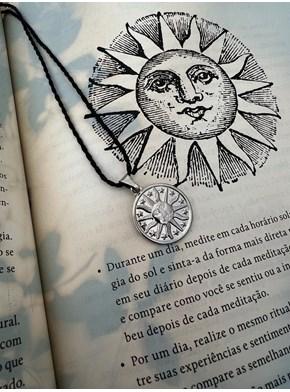 Colar Amuleto Sol Estrelado