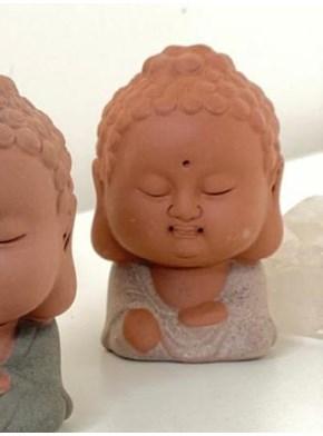 Escultura Buda Cerâmica - Bege